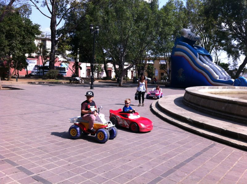 Meanwhile, Jen and Quinn went to Oaxaca to drive the cars some more.