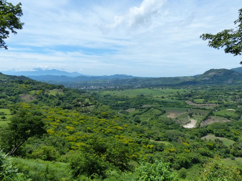 We choose a different route through Honduras in order to use a smaller border crossing in the highlands, and doing so afforded us the opportunity to see the amazing, verdant greenery of southern Honduras.