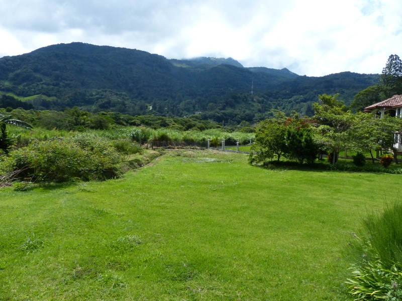 The valley is lush and tropical, but its high elevation keeps the climate cool.