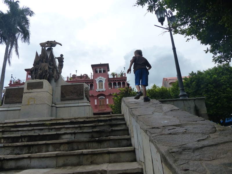 We visited the Casco Viejo neighborhood of the city.