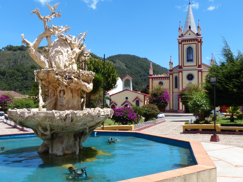 We stopped in Arcabuco for lunch on our way to Villa del Leyva. It wasn't much, but it did have a very photogenic church and central plaza.