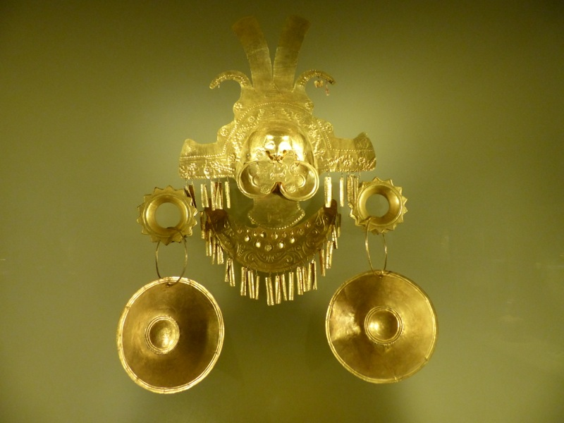 Our first stop was the gold museum. It apparently houses over 5 tons of gold. Pieces like this were recovered from the bottom of a lake near Bogotá where the indigenous population used to throw intricate gold figures as offerings to the gods.