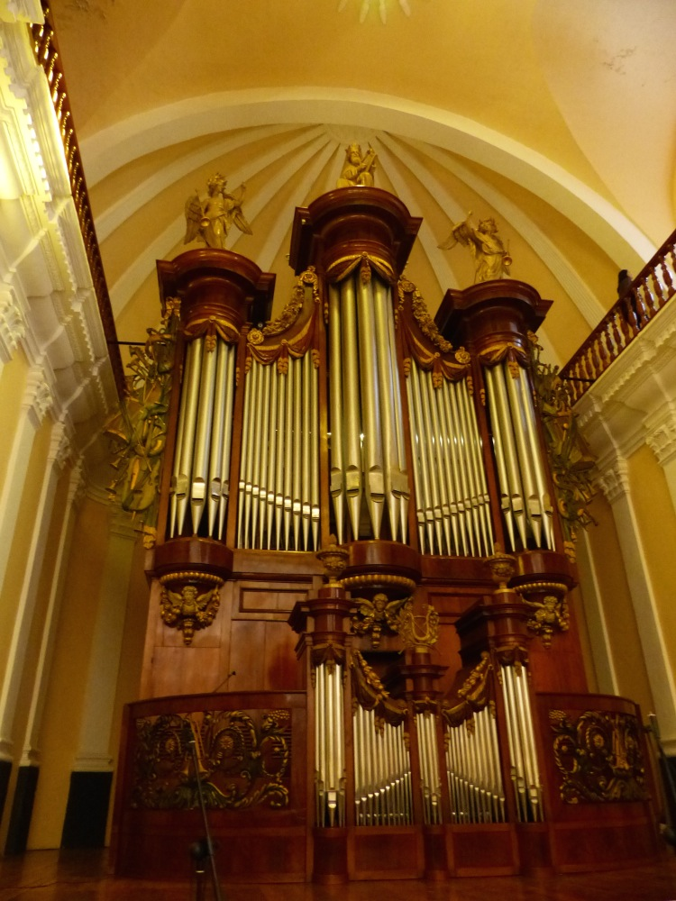 We did a tour of the inside of the main cathedral in town. The organ, made in Belgium, has over 2000 pipes!