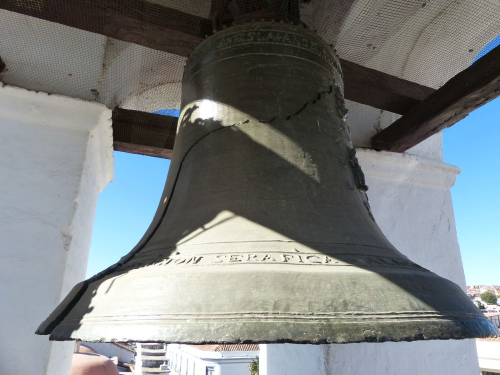 We got to visit Sucre's Liberty Bell, which features its very own crack.