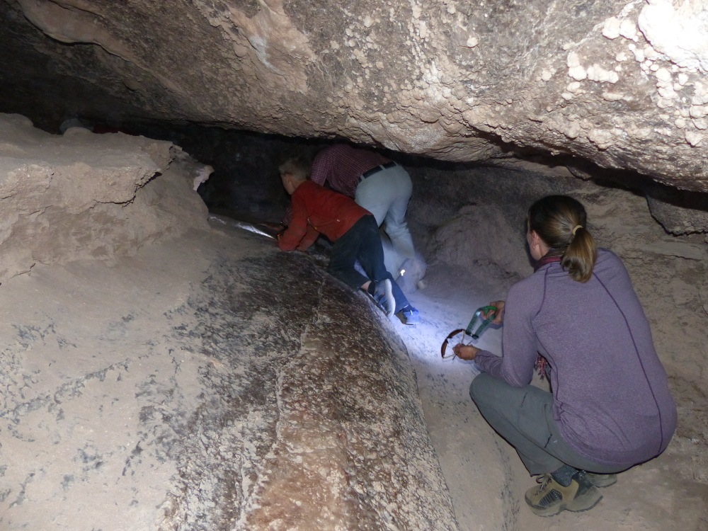 One afternoon we went back to the Valley of the Moon to explore the salt cavern there.