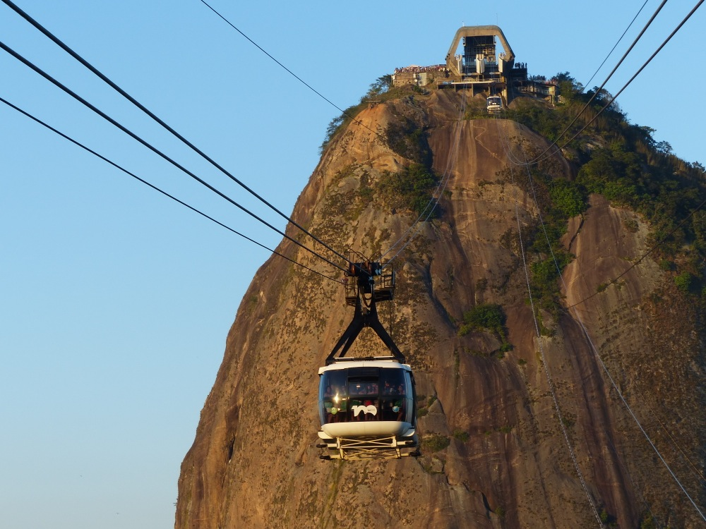 The two-stage cable car deposits you atop the sheer-faced Sugarloaf Mountain. For the more adventurous, you can rope up and climb.