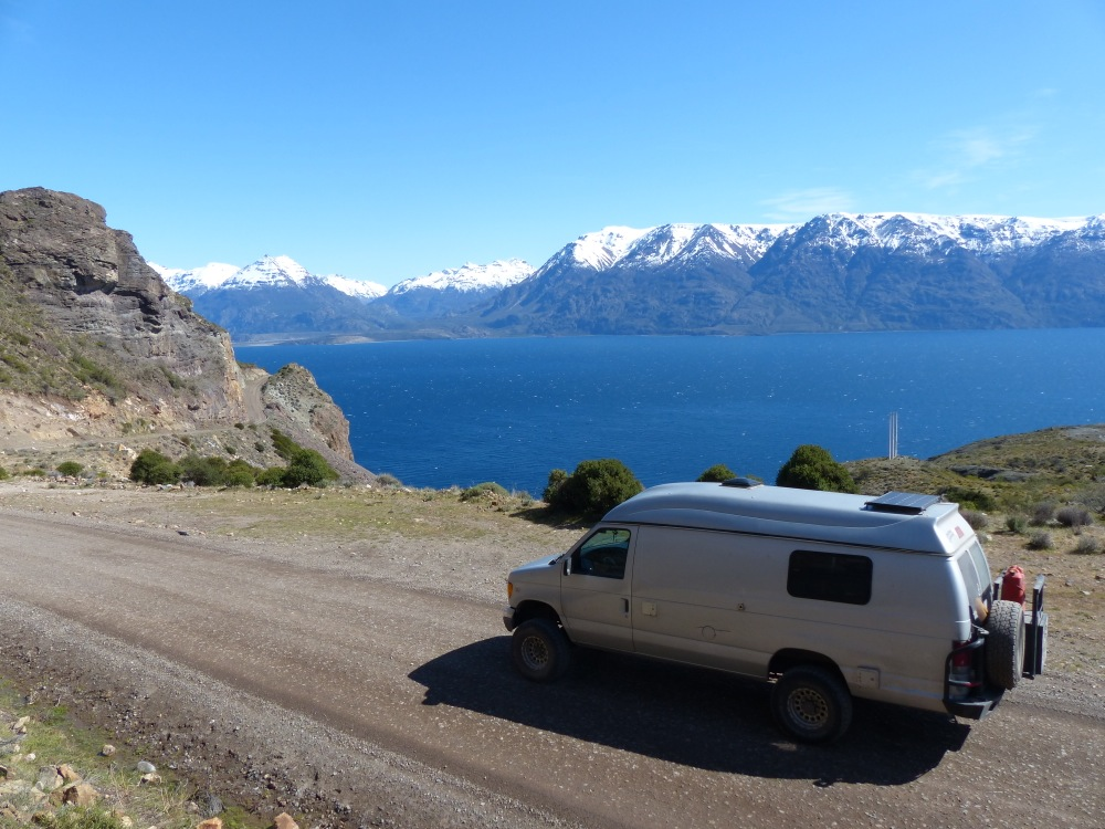 From Chile Chico, a dirt road led us 90km along the lake to the junction with the Carretera Austral.